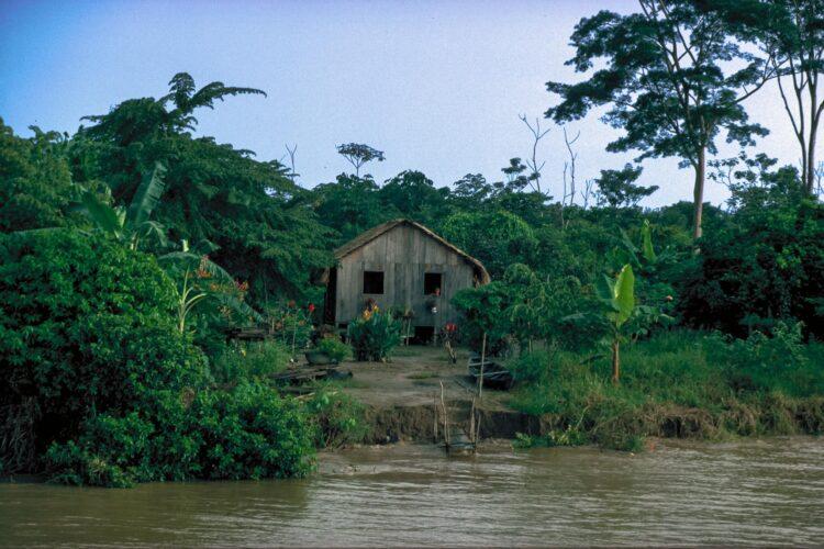 Oprindelige folk langs floderne